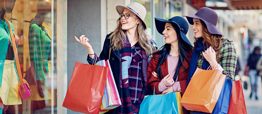 4 Things Every Woman Must Own for Their Shopping Adventures