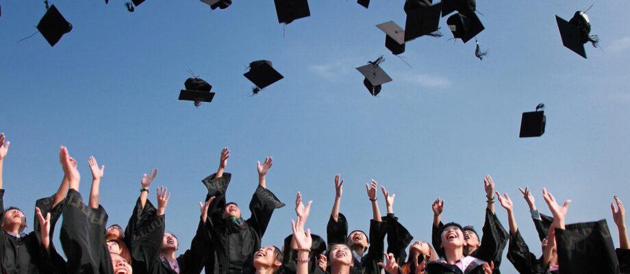 How to design grad announcements
